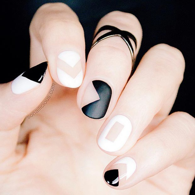 Black-and-White-Matte-Nail-Design