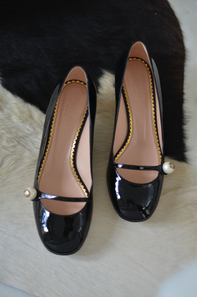 Gucci Arielle patent pumps gold half moon heel