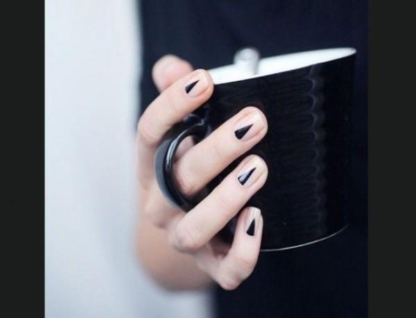 minimalist black manicure