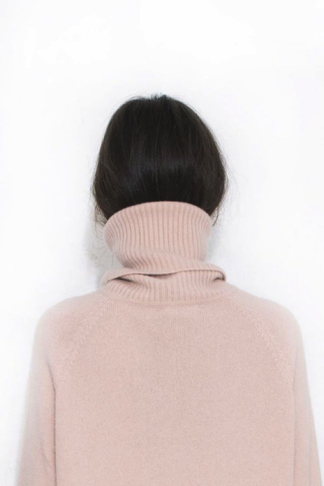 How to tuck your hair in a sweater11