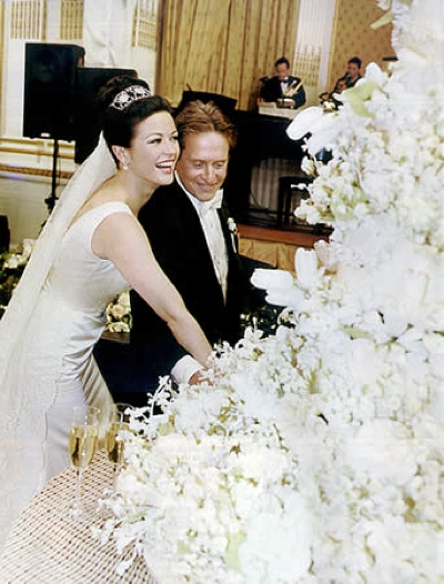 Catherine Zeta Jones and Micheal Douglas celebrity wedding cake
