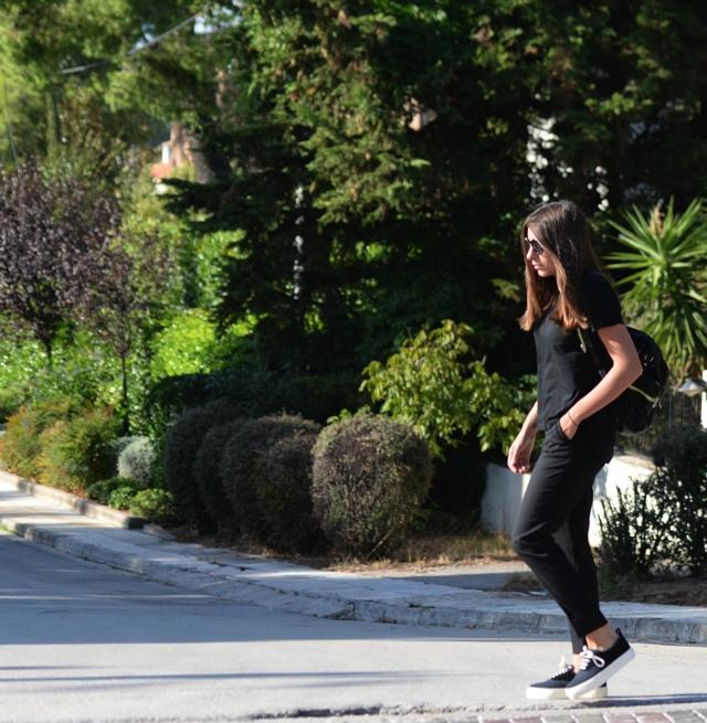 Niki Svolou total black outfit