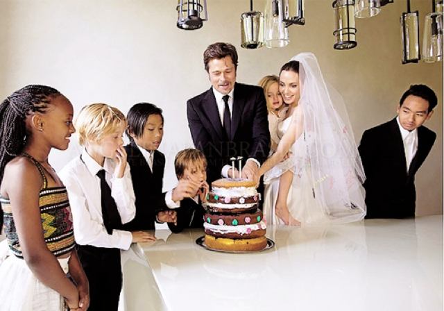 Angelina Jolie wedding cake