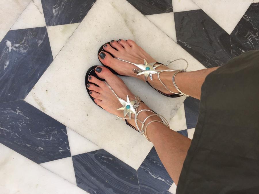 Aquazzura X Poppy Delevigne star flat sandals01