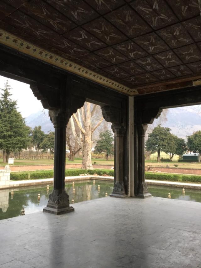 Kashmir Moghul