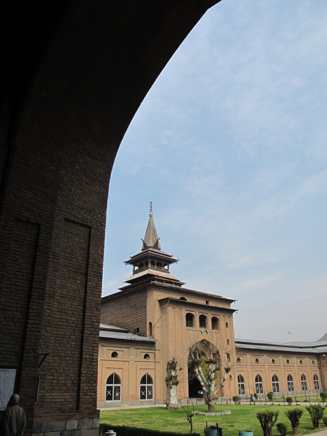 Kashmir mosque in Srinagar courtyard