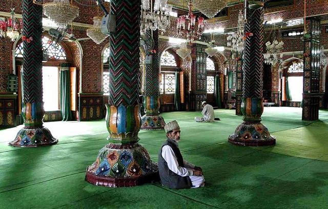 mosque of Srinagar