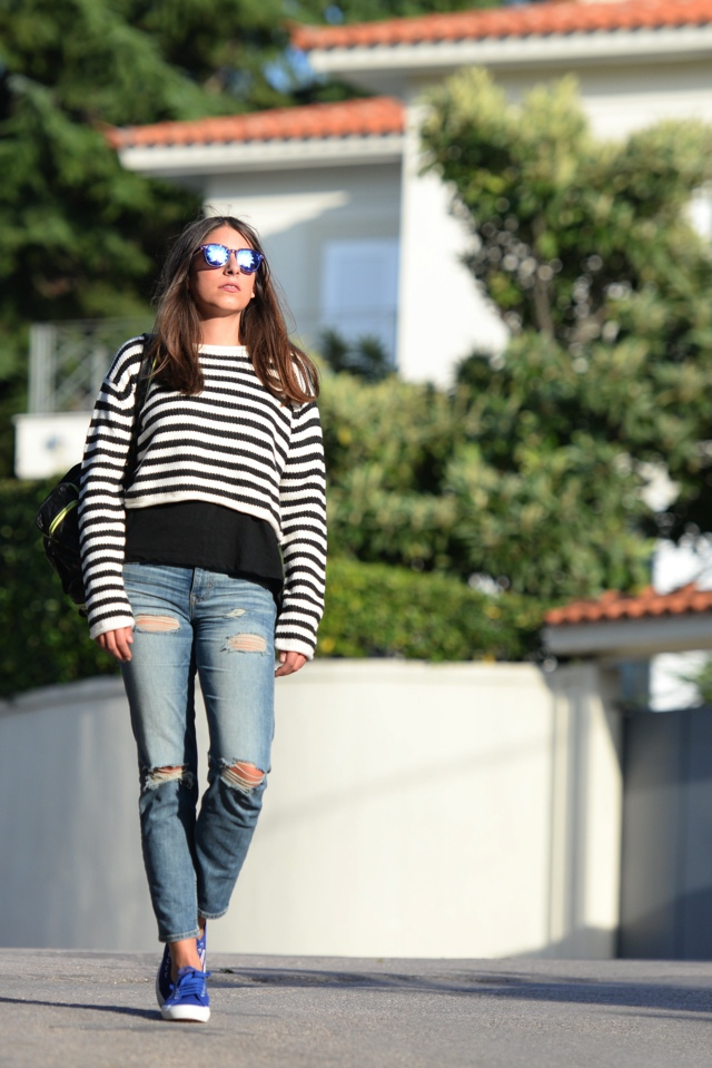 Effortless Casual Chic Striped Sweater Street Style04