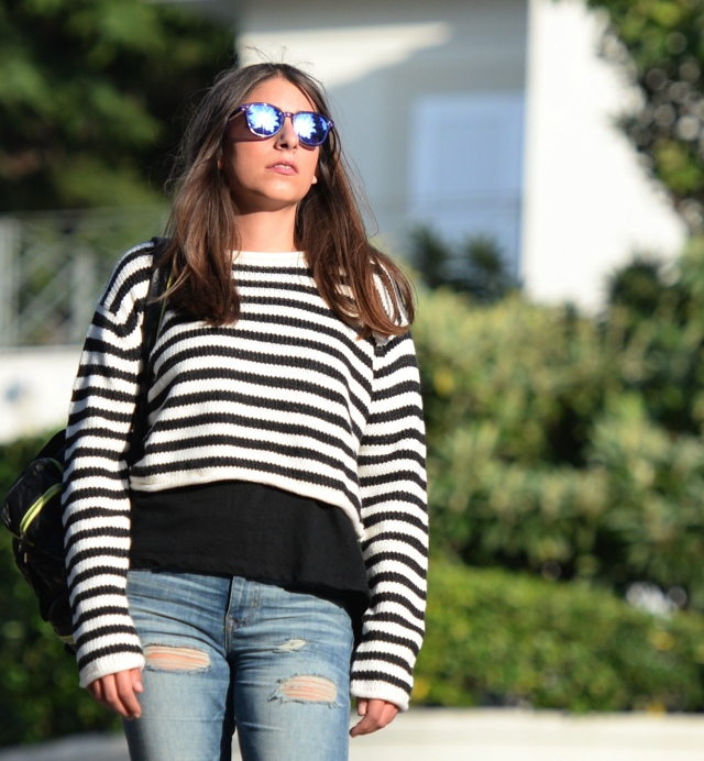 Effortless Casual Chic Striped Sweater Street Style05