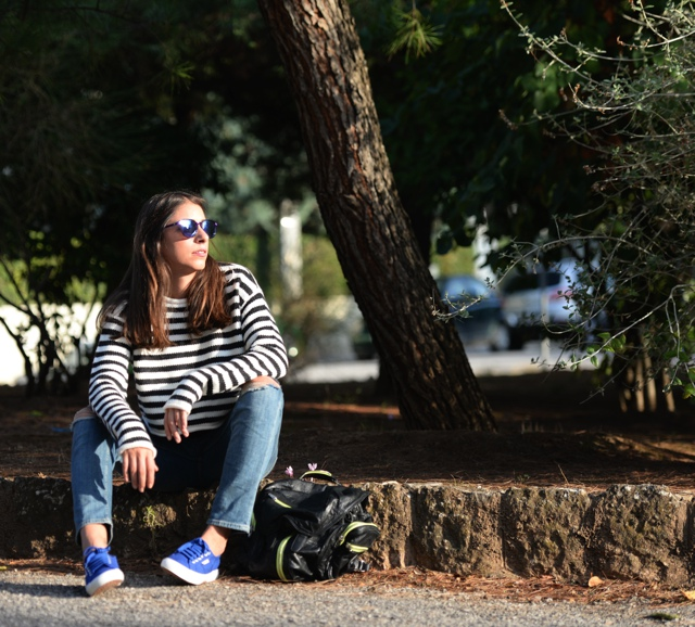 Effortless Casual Chic Striped Sweater outfit Street Style10