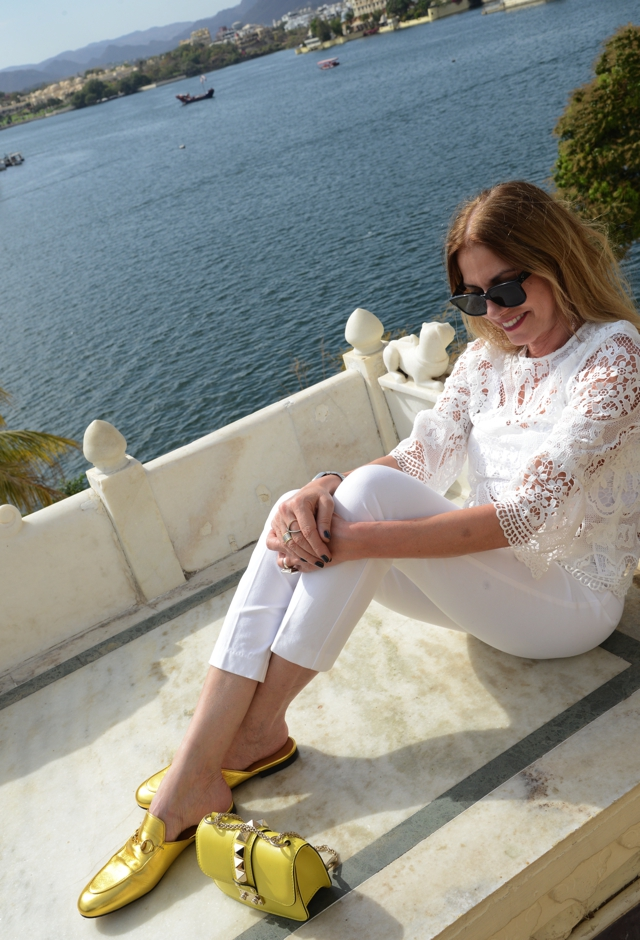 India | Total White, bell sleeves and Gucci Metallic Shoes 2