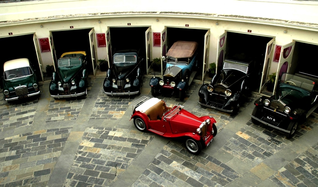 Vintage-Car-Collection-Show-by-Taj-Hotels-in-Udaipur