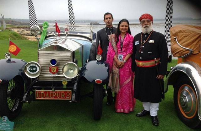 Vintage-Car-Museum-Udaipur-Maharana-and-his-family-pose-infront-of-one-of-his-vintage-cars