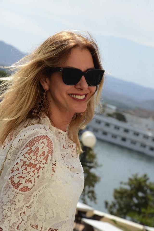 White lace blouse Celine Flat wayfarer sunglasses TrendSurvivor