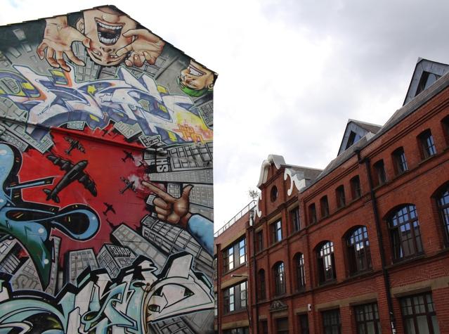 Brighton TrendSurvivor Street Style Graffiti