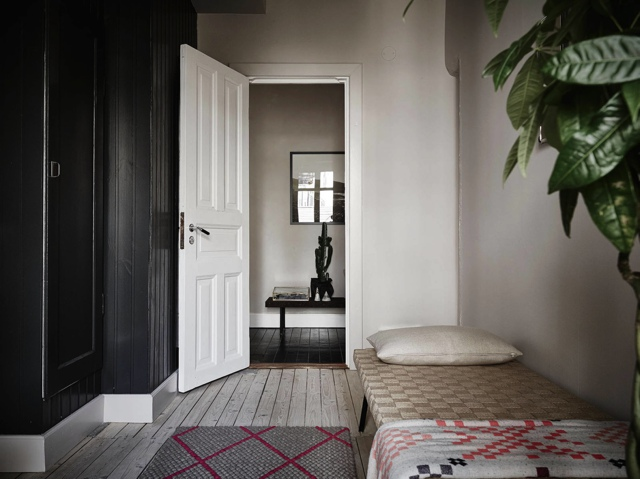 Dreamy one bedroom apartment decor entrance