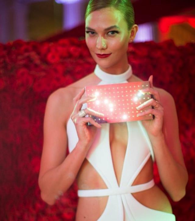 Karlie Kloss makeup met Gala 2016