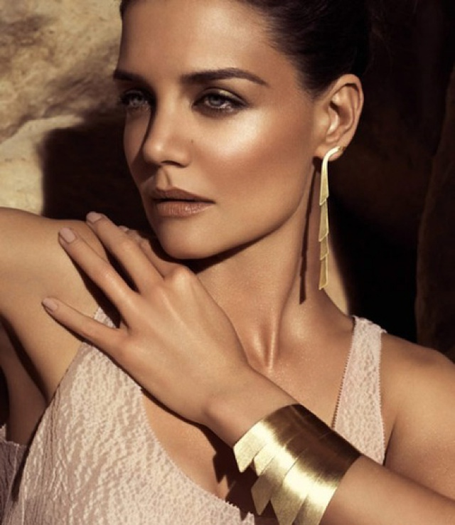 katie-holmes-hstern-jewelry-campaign-2011
