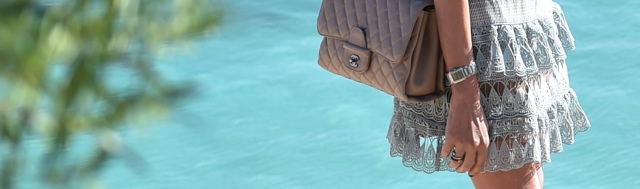 Chanel beige jumbo bag street style