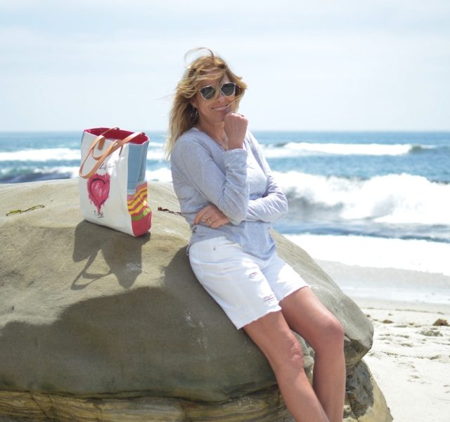 TrendSurvivor La Jolla packing beach essentials blogger style