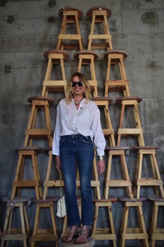 TrendSurvivor flare jeans cropped statement Aquazzura