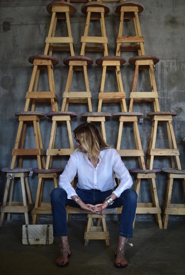 TrendSurvivor flare jeans cropped statement flat sandals Aquazzura Poppy Delevigne