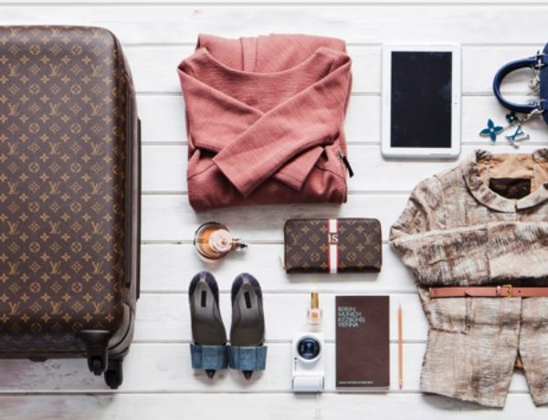 plan your outfits travel lighter