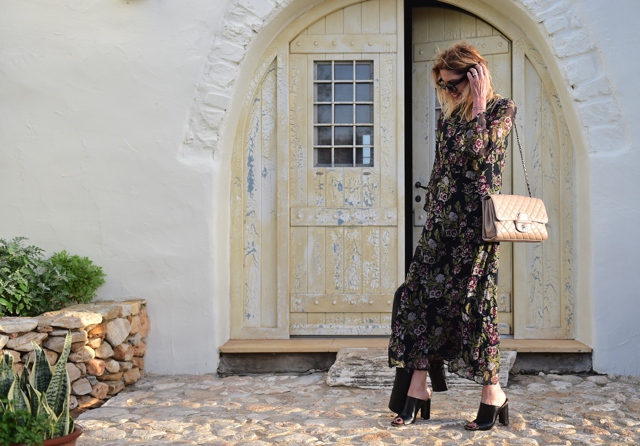 Boho Chic Floral Print dress black midi Trend Survivor Nina Papaioannou