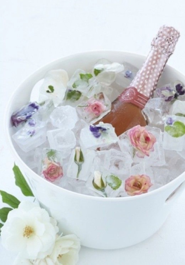 flower ice cubes ice bucket