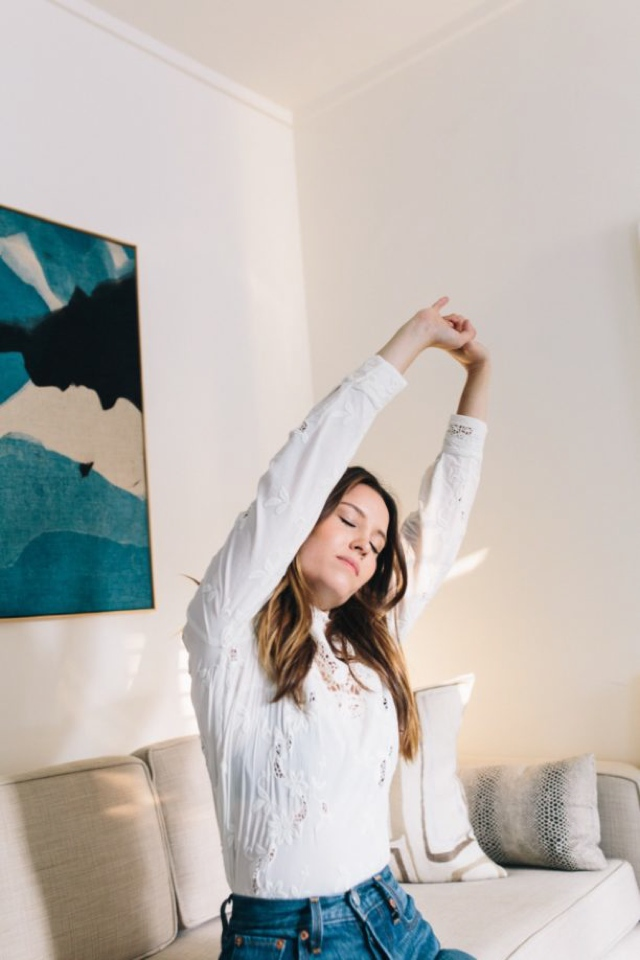 7-caffeine-free-tips-to-get-energy streching