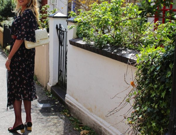 street-style-flower-print-dress-gucci-arille-pumps-chanel-2-55-bag09