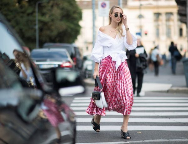 Gucci pleated pink skirt street style