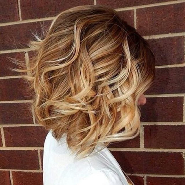 beach-waves-highlight-short-hair beach wave bob