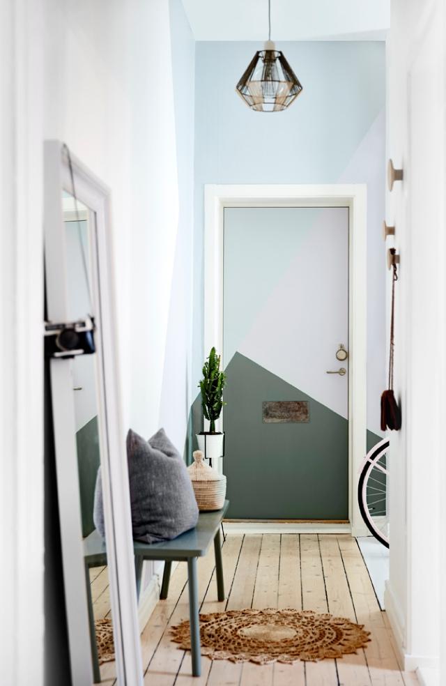 roomby-sofie-entryway