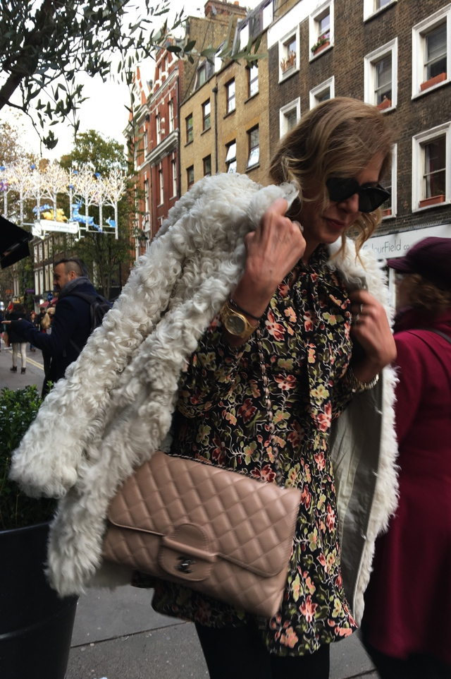 london-street-style-white-fur