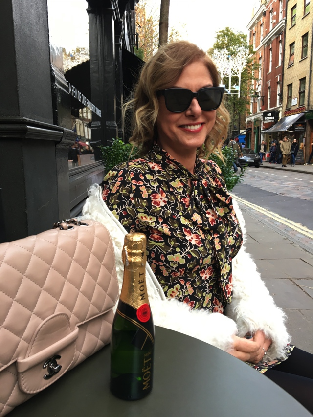 mini-moet-and-chandon-moment-in-london