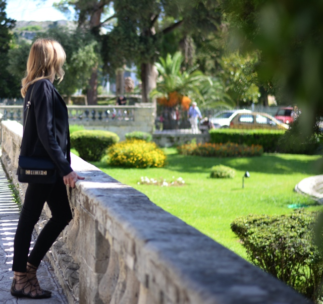laidback-luxe-style-asian-museum-in-corfu-trendsurvivor02