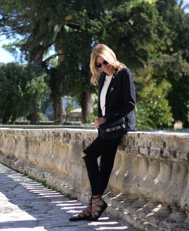 laidback-luxe-style-asian-museum-in-corfu-trendsurvivor06