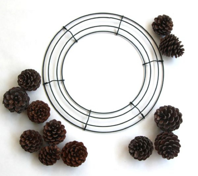 diy-pinecone-wreath-apiece
