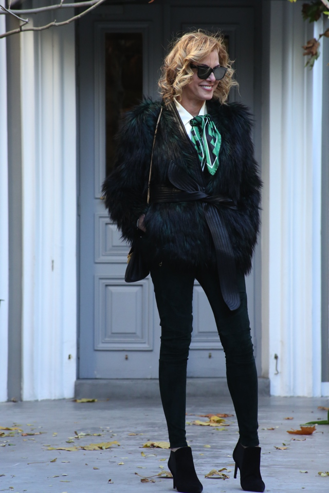 faux-green-fur-coat-street-style00