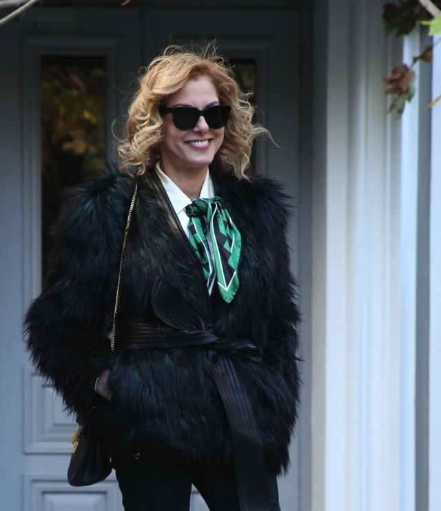 faux-green-fur-coat-street-style01