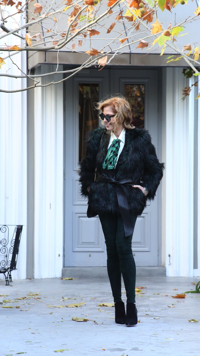faux-green-fur-coat-street-style03
