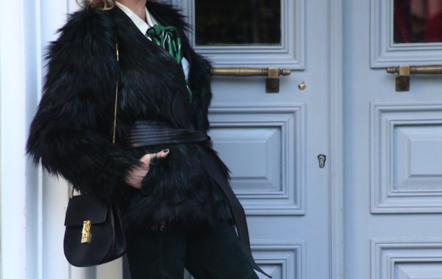 faux-green-fur-coat-street-style05