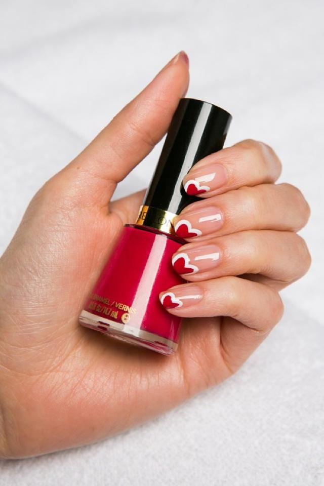 revlon-nails52_glamour_4feb14_PR_b_540x810