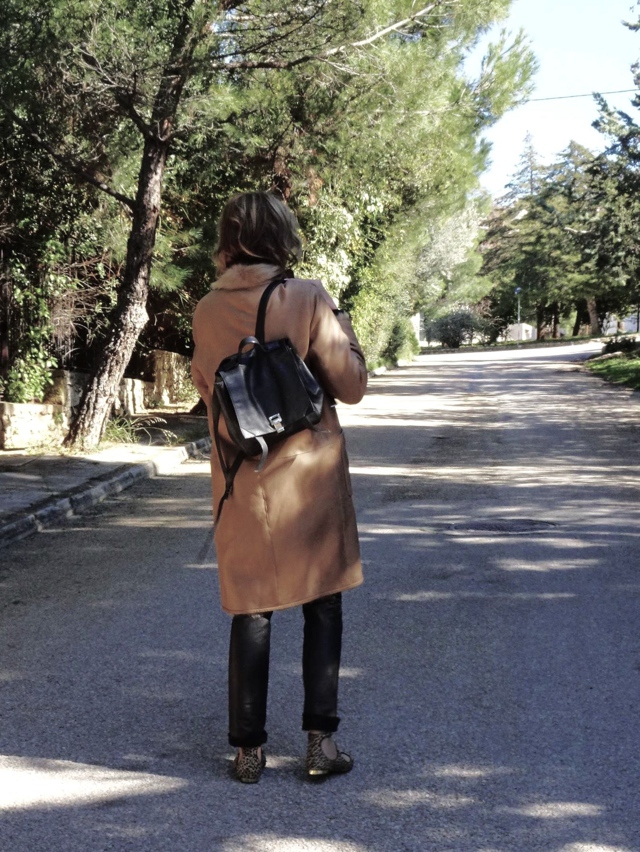sheepskin camel coat, aquazzura leopard street style00