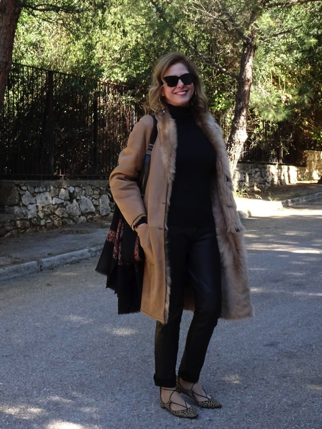 sheepskin camel coat, aquazzura leopard street style02
