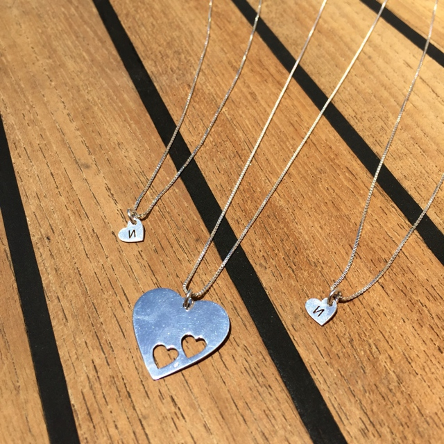 onecklace floating heart mother daughter