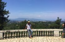 Corfu Sightseeing  // Embroidered Jeans