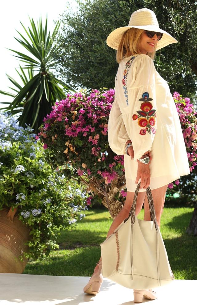 Trendsurvivor Summer Vibes embroidered dress Callista tote Valentino tango04