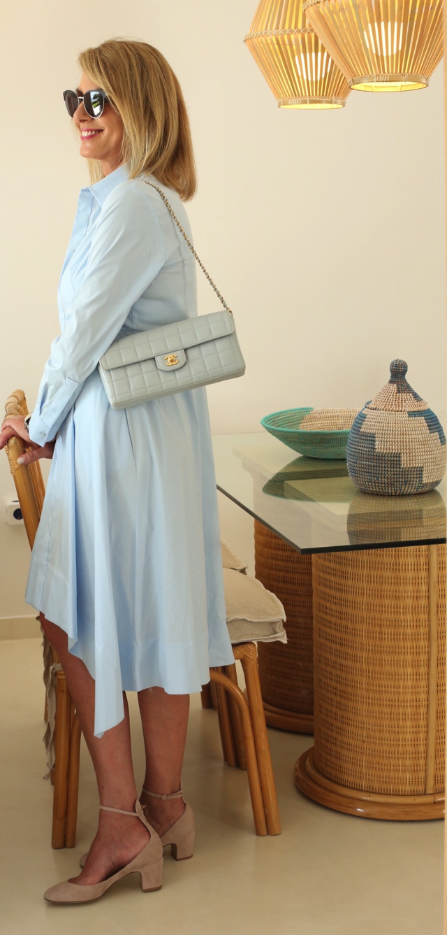 COS shirtdress Chanel baby blue bag Trendsurvivor Nina Papaioannou03